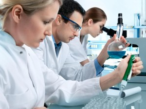 people-working-in-a-chemistry-lab
